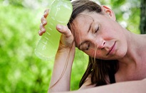 Những ngày nắng nóng, cơ thể bạn sẽ gặp phải vấn đề gì?