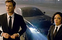 """""""Men In Black: International"""" """"âm thầm"""" quảng cáo xe cho Lexus"""