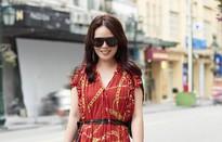 Bí quyết mix đồ dù giản dị vẫn vô cùng quyến rũ của Mrs Vietnam 2018 Trần Hiền