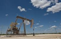 Giá dầu tăng sau sự cố cháy tàu chở dầu