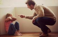 So sánh con mình với con người ta, cha mẹ khiến con ức chế, tổn thương?