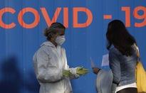 Nỗi lo COVID-19 bùng phát vượt tầm kiểm soát tại châu Âu