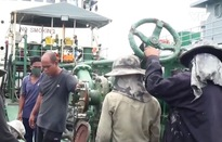 """Cận cảnh tàu """"ma"""" bán dầu lậu trên biển Việt Nam"""