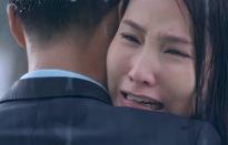 Tình yêu và tham vọng - Tập 21: Minh đứng từ xa nhìn Sơn ôm Linh vào lòng