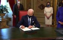 """Tổng thống Biden ký sắc lệnh thúc đẩy """"mua hàng Mỹ"""" nhiều hơn"""