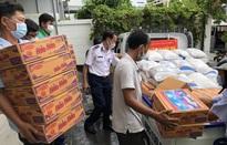 Cảnh sát biển tặng hơn 1.000 suất quà cho người nghèo 19 tình thành phía Nam bị ảnh hưởng COVID-19
