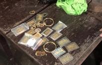 Ăn trộm 20 lượng vàng rồi dẫn nạn nhân đi trình báo công an
