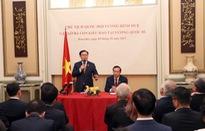 Chủ tịch Quốc hội gặp cộng đồng người Việt Nam tại Bỉ