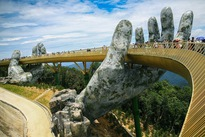 Da Nang's golden bridge goes viral