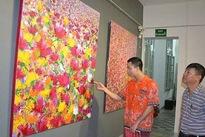 Painter Somsak Chaituch showcases works in Vietnam