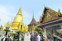 Thailand moves to woo Southeast Asian tourists