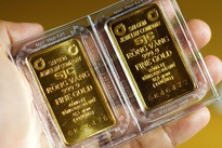 Domestic gold opens new week down by more than half a million