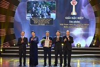 Winners of National Press Awards on Party building named