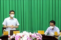 Deputy PM asks Vinh Long to quickly curb COVID-19 outbreaks