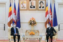 Cambodia wishes to join Vietnam in strengthening control of COVID-19 pandemic