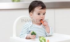 Cách nào giúp trẻ thích ăn rau?