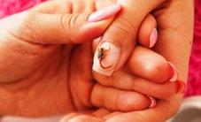 Chăm sóc móng tay tại nhà tưởng khó mà cực dễ!