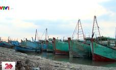 Giá dầu tăng, hàng ngàn tàu cá nằm bờ