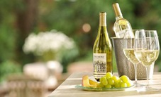 Rượu vang trắng có lợi cho sức khỏe nhưng ít người biết