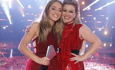 Học trò 15 tuổi của Kelly Clarkson đăng quang quán quân The Voice Mỹ mùa 14