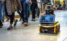 Mỹ: Đại học MIT phát triển robot di chuyển theo đám đông