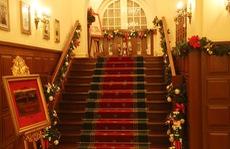 Không khí Giáng sinh tràn ngập khách sạn Dalat Palace - nơi diễn ra LHTHTQ 38