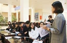 Sinh viên ĐH Đà Lạt sôi nổi tham gia tập huấn nhóm tình nguyện viên của LHTHTQ 38