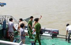 Tìm thấy thi thể 2 mẹ con trong vụ chìm tàu trên sông Sài Gòn