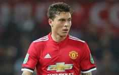Tiết lộ mới: Trung vệ đắt giá của Man Utd đang bị Mourinho trừng phạt