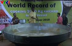 Món Khichadi nặng kỷ lục 3 tấn