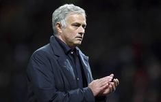 Mourinho nguy cơ vắng mặt trận gặp Chelsea