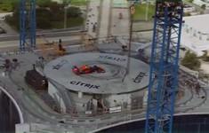 Màn biểu diễn của David Coulthard trên xe F1 tại Miami