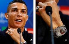 Ronaldo khoe đồng hồ 60 tỷ đồng ở họp báo trước trận gặp Man Utd
