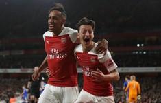 Arsenal 3-1 Leicester: Ozil, Aubameyang tỏa sáng, Arsenal thắng 10 trận liên tiếp (Vòng 9 giải Ngoại Hạng Anh)