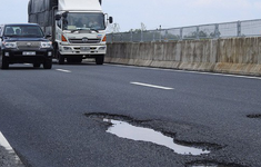 Dừng thu phí các tuyến đường khai thác bị hư hỏng, chậm sửa chữa