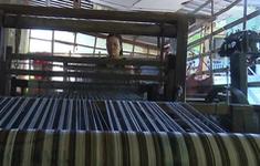 Đồng Tháp: Làng nghề dệt choàng tất bật sản xuất phục vụ Tết