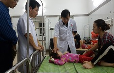 Hà Nội: Tập trung điều trị các bệnh nhi ngộ độc thực phẩm