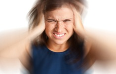 Ánh sáng xanh: Phương pháp điều trị mới cho bệnh nhân mắc chứng đau thần kinh mãn tính