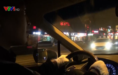 Nở rộ dịch vụ đưa người say về nhà ở Trung Quốc