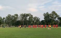 AFF Cup 2018: Mưa lớn trong buổi tập đầu tiên của ĐT Việt Nam tại Myanmar