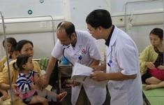 Hà Nội dồn sức cứu chữa các bệnh nhi nghi bị ngộ độc ở Đông Anh