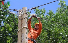 Điện thắp sáng đã về đến các bản làng vùng cao Quảng Nam