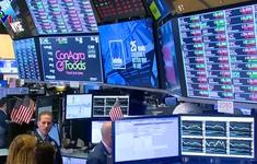 Thị trường chứng khoán Mỹ biến động mạnh