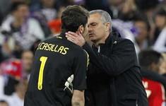 """Trò cũ bóng gió """"khuyên"""" Mourinho nên giải nghệ"""