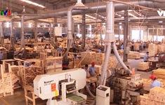 Doanh nghiệp xuất khẩu đồ gỗ tăng cường năng lực sản xuất