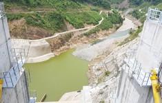 Quảng Nam: Nghịch lý mưa kéo dài, hồ thủy điện vẫn thiếu nước trầm trọng