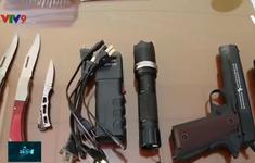 Rao bán tràn lan vũ khí thô sơ, công cụ hỗ trợ trên mạng xã hội