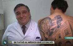 Bệnh nhân xăm chân dung bác sĩ lên lưng thay lời cảm ơn