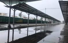 Đường sắt Bắc – Nam ách tắc do mưa ngập