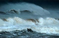 Thời tiết xấu vẫn duy trì ở nhiều vùng biển